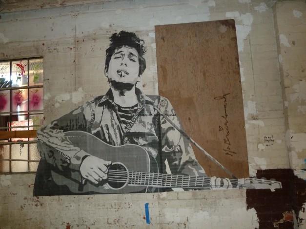 Street art: Bob Dykan by Mr. Brainwash